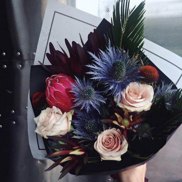 Магазин цветов в твери, букет из 113 роз и тюльпанов фото